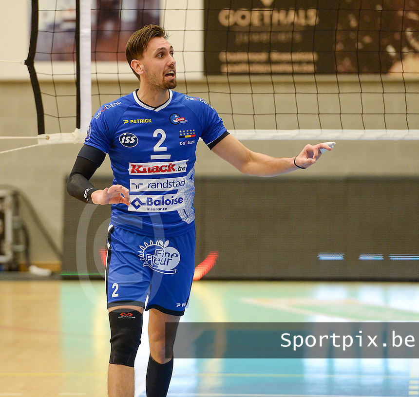 20161228 - ROESELARE ,  BELGIUM : Roeselare's Hendrik Tuerlinckx pictured during the second semi final in the Belgian Volley Cup between Knack Volley Roeselare and Lindemans Aalst in Roeselare , Belgium , Wednesday 28 th December 2016 . PHOTO SPORTPIX.BE | DAVID CATRY