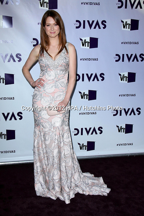 LOS ANGELES - DEC 16:  Ellie Kemper arriving at the VH1 Divas Concert 2012 at Shrine Auditorium on December 16, 2012 in Los Angeles, CA