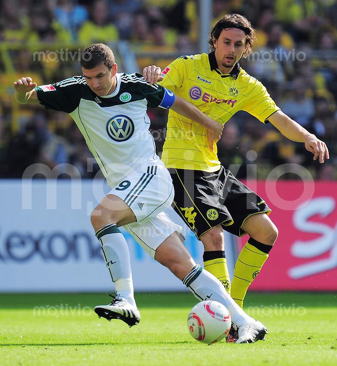 FUSSBALL   1. BUNDESLIGA   SAISON 2010/2011   3. SPIELTAG Borussia Dortmund - VfL Wolfsburg                         11.09.2010 Edin DZEKO (li, Woilfsburg) gegen Neven SUBOTIC (re, Dortmund)