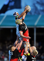 Leroy Houston of Bath Rugby competes with Kelly Brown of Saracens for the ball at a lineout. Aviva Premiership match, between Saracens and Bath Rugby on January 30, 2016 at Allianz Park in London, England. Photo by: Patrick Khachfe / Onside Images