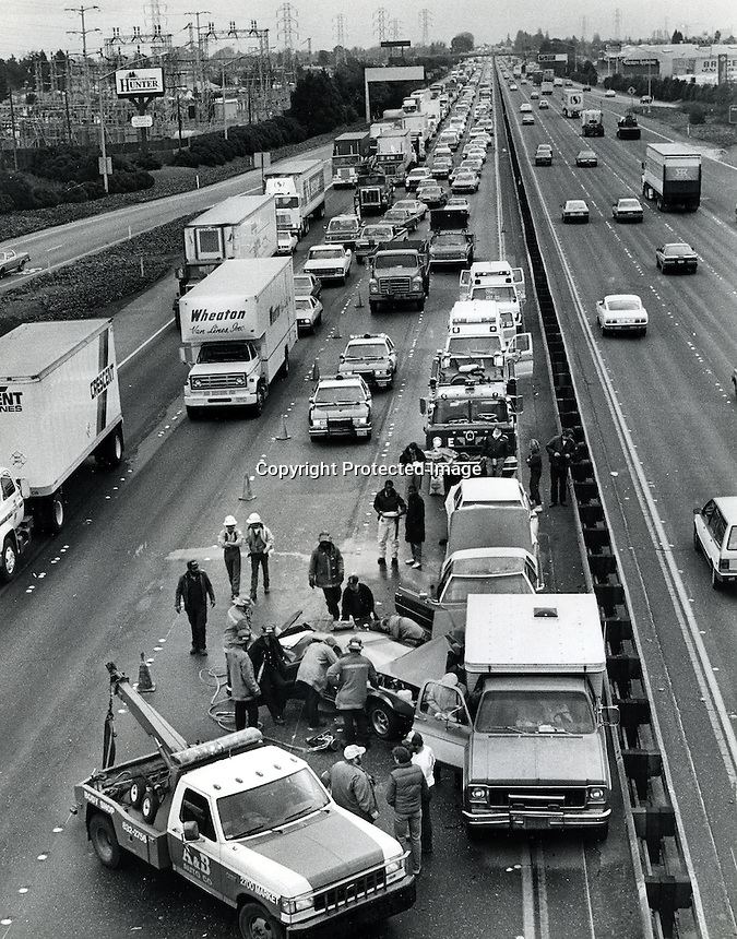 Auto Accident: This auto crash  on Freeway# 880 in Oakland,California,  also know at the Nimitz Freeway<br />Tying up traffic  for several miles. (1987 photo/Ron Riesterer)