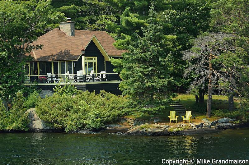 Cottage <br /> Muskoka Country<br /> Ontario<br /> Canada