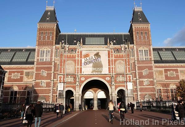 Nederland Amsterdam - december 2018. Fietsen onder het Rijksmuseum in Amsterdam. Foto Berlinda van Dam / Hollandse Hoogte