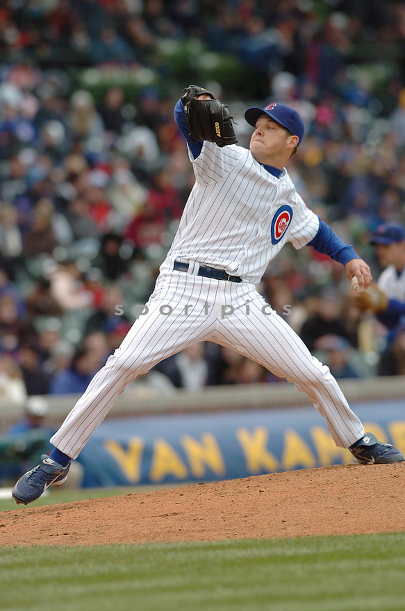 RICH HILL, of the Chicago Cubs, in action during the Cubs game against the Cincinnati Reds in Chicago, Illinois on April 14, 2007...Reds win 7-0...DAVID DUROCHIK / SPORTPICS..