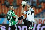 Millonarios venció a Nacional en Medellín por primera vez en 15 años. El técnico del equipo verde, Santiago Escobar, y el capitán de Millos, Robayo, analizan el juego