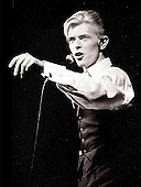 Mar 17, 1976: DAVID BOWIE - Isolar Tour Boston Garden Boston MA USA
