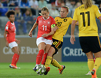 20181009 – BIEL BIENNE , SWITZERLAND : Belgian Julie Biesmans (r)  pictured in a duel with Swiss Lara Dickenmann (left) during the female soccer game between Switzerland and the Belgian Red Flames , the second leg in the semi finals play offs for qualification for the World Championship in France 2019 ; the first leg ended in equality 2-2 ;  Tuesday 9 th october 2018 at The Tissot Arena  in BIEL BIENNE , Switzerland . PHOTO SPORTPIX.BE | DAVID CATRY