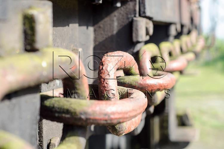 Detalhe de corrente em trem na Vila de Paranapiacaba, Santo Andr&eacute; - SP, 04/2013.<br /> * &Eacute; necess&aacute;rio solicitar autoriza&ccedil;&atilde;o para a Vila de Paranapiacaba.