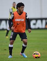 SÃO PAULO,SP, 25 Junho 2013 - Romarinho  durante treino do Corinthians no CT Joaquim Grava na zona leste de Sao Paulo, onde o time se prepara  para o campeonato brasileiro. FOTO ALAN MORICI - BRAZIL FOTO PRESS