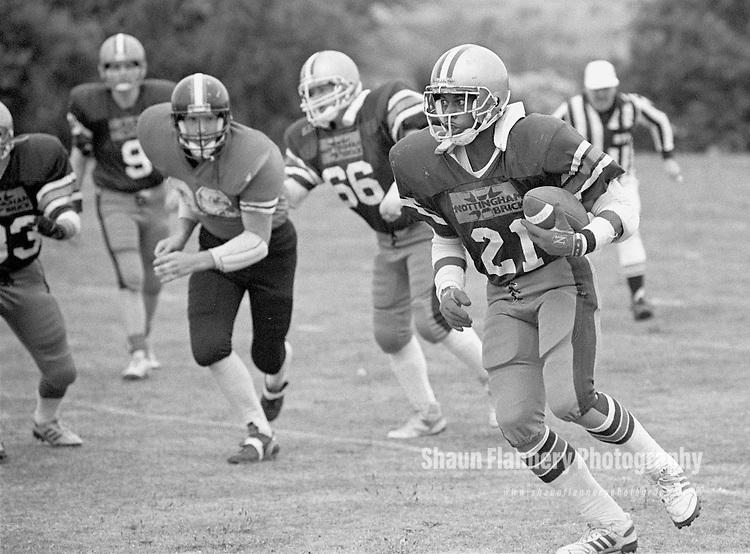 Pix: Shaun Flannery/shaunflanneryphotography.com...COPYRIGHT PICTURE>>SHAUN FLANNERY>01302-570814>>07778315553>>..12th August 1990..Barnsley Bears v Birkenhead Nighthawks..Quarter Final Playoffs..Lavern Washington