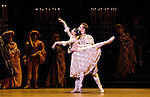 The Royal Ballet. Romeo and Juliet. Romeo: Ivan Putrov. Juliet: Roberta Marquez