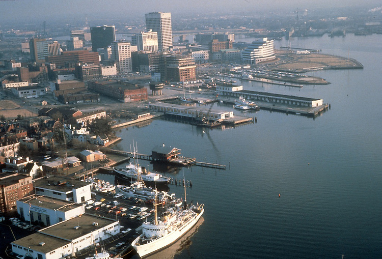 1984 February ..Redevelopment.Downtown West (A-1-6)..PIER B AERIAL.FREEMASON HARBOR...NEG#.NRHA#..