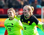 ROTTERDAM - keeper Kiki Gunneman (Ned) , die haar debuut maakte met keeper Josine Koning (Ned)   tijdens de Pro League hockeywedstrijd dames, Nederland-USA  (7-1) .   COPYRIGHT  KOEN SUYK