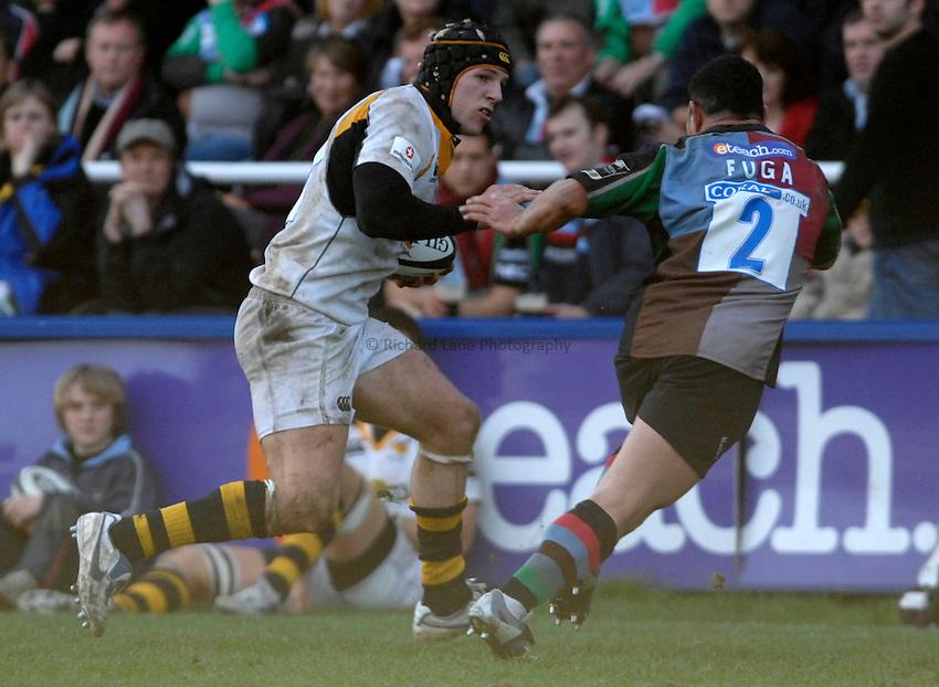 Photo: Richard Lane..NEC Harlequins v London Wasps. Guinness Premiership. 10/03/2007. .Wasps' James Haskell attacks.
