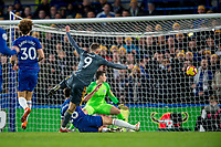 Jamie Vardy of Leicester City scores the opening goal during the Premier League match between Chelsea and Leicester City at Stamford Bridge, London, England on 22 December 2018. PUBLICATIONxNOTxINxUK Copyright: xSalvioxCalabresex 22400031  <br /> Foto Imago/Insidefoto