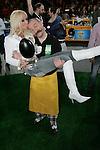 SAT.1-Show &quot;Jetzt geht's um die Eier&quot; am 08.04.2006 bei Gerry Weber, Halle. Cora Schumacher kŁsst Horst Lichter auf den Kopf, w&scaron;hrend er sie auf den H&scaron;nden tr&scaron;gt.<br /> Foto: &copy; nordphoto *** Local Caption *** Foto ist honorarpflichtig! zzgl. gesetzl. MwSt.<br />  Belegexemplar erforderlich