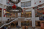 The Buttermarket shopping centre, Ipswich, Suffolk, England. Very few shoppers despite the launch of post Christmas sales. 27/12/2008