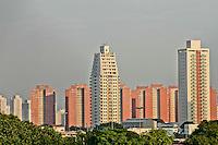 SÃO PAULO, 05 DE MARÇO 2013 - CLIMA TEMPO - Manhã de céu parcialmente nublado na capital paulista, região do Bom Retiro, zona central da cidade, terça-feira(5) - FOTO: LOLA OLIVEIRA/BRAZIL PHOTO PRESS