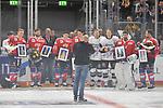 v.l. Mannheims David Wolf (Nr.89), vMannheims Matthias Plachta (Nr.22), Mannheims Marcel Goc (Nr.23), Mannheims Sinan Akdag (Nr.7)  Koelns Moritz Mueller (Nr.91), Koelns Christan Erhoff (Nr.10), Mannheims Dennis Endras (Nr.44) und Mannheims Marcus Kink (Nr.17) werden geehrt fuer die olympischen Spiele beim Spiel in der DEL, Adler Mannheim (rot) - Koelner Haie (weiss).<br /> <br /> Foto &copy; PIX-Sportfotos *** Foto ist honorarpflichtig! *** Auf Anfrage in hoeherer Qualitaet/Aufloesung. Belegexemplar erbeten. Veroeffentlichung ausschliesslich fuer journalistisch-publizistische Zwecke. For editorial use only.