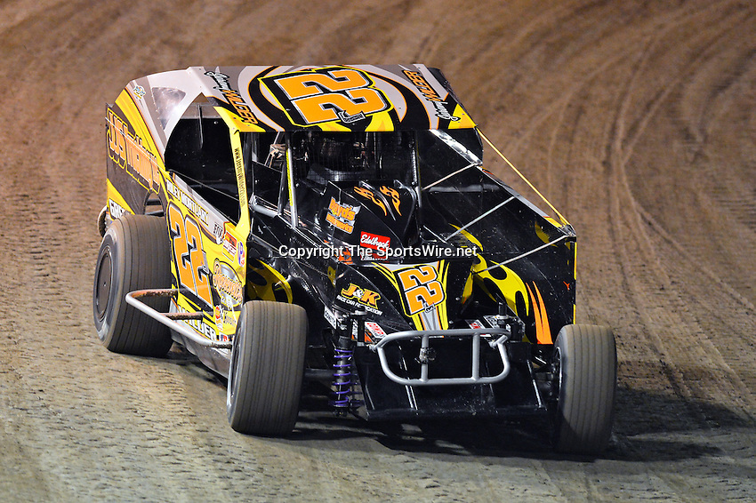 Feb 19, 2014; 6:57:17 PM;  Barberville, FL, USA;  Super DIRT car Series Big Block Modifieds presented by Summit Racing Equipment at Volusia Speedway Park.  Mandatory Credit: (thesportswire.net)
