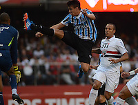 SAO PAULO SP, 29.09.2013 - Sao Paulo  X gREMIO -  Saimon do Gremio durante partida contra o Sao Paulo valida pelo campeonato brasileiro de 2013  no Estadio do Morumbi em  Sao Paulo, neste domingo, 29. (FOTO: ALAN MORICI / BRAZIL PHOTO PRESS).