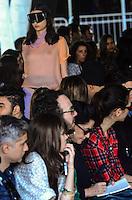 RIO DE JANEIRO, RJ, 08.11.2013 - FASHION RIO / HERCHOVITCH - Desfile da grife Herchovitch, durante o Fashion Rio, coleção Outono/Inverno 2014, no MAM (Museu de Arte Moderna), no centro da capital carioca, nesta sexta-feira, 08 (Foto: Marcelo Fonseca / Brazil Photo Press).