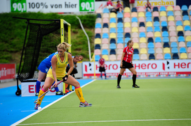 MOENCHENGLADBACH, GERMANY - JULY 28: Match between Australia (yellow) and Russia (blue) in Pool C during the Hockey Junior World Cup at the Warsteiner HockeyPark on July 28, 2013 in Moenchengladbach, Germany. Final score 6-0. (Photo by Dirk Markgraf/www.265-images.com) *** Local caption *** #30 Jordyn Holzberger of Australia