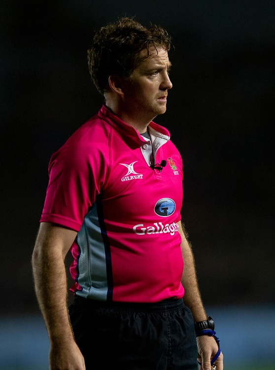 Referee JP Doyle<br /> <br /> Photographer Bob Bradford/CameraSport<br /> <br /> Gallagher Premiership Round 7 - Harlequins v Newcastle Falcons - Friday 16th November 2018 - Twickenham Stoop - London<br /> <br /> World Copyright © 2018 CameraSport. All rights reserved. 43 Linden Ave. Countesthorpe. Leicester. England. LE8 5PG - Tel: +44 (0) 116 277 4147 - admin@camerasport.com - www.camerasport.com