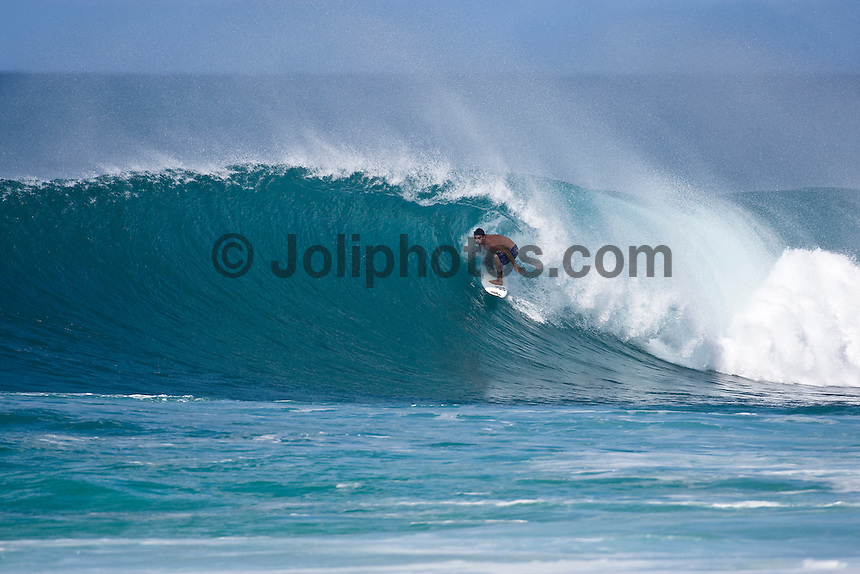 LEONARDO NEVES (BRA)  surfing at Off The Wall-Backdoor, North Shore of Oahu, Hawaii. Photo: joliphotos.com