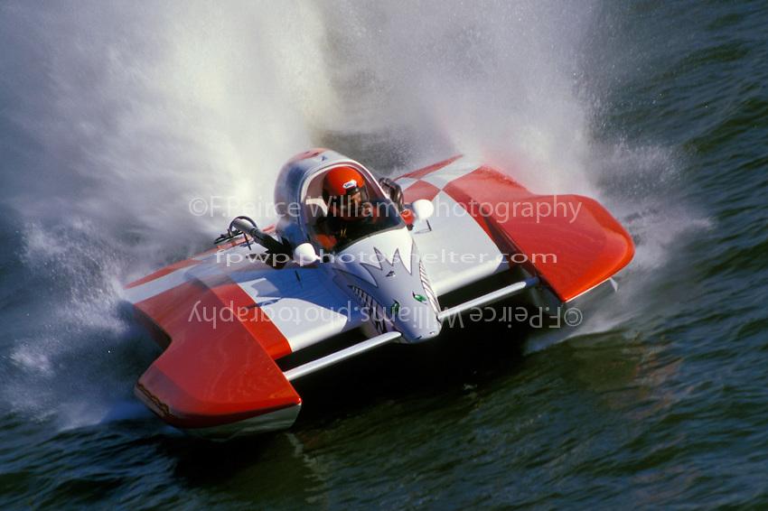 "Steve Linn, A-63 ""Blurred Vision""  (2.5 MOD class hydroplane(s)Stubenville, Ohio 1996"