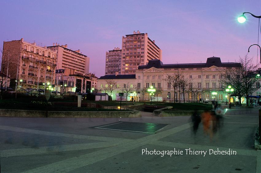 Issy Les Moulineaux, 1999, Place de la Mairie