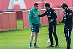 07.01.2020, Sportzentrum RCD Mallorca, Son Bibiloni, ESP, TL Werder Bremen -  Training Tag 02<br /> <br /> im Bild / picture shows <br /> Dehnuebungen / Gymnastik EGO Rad der Spieler nach dem  Freundschaftspiel<br /> <br /> David Philipp (Werder Bremen #31) <br /> Ilia Gruev (Co-Trainer SV Werder Bremen)<br /> Reha Training<br /> <br /> Foto © nordphoto / Kokenge