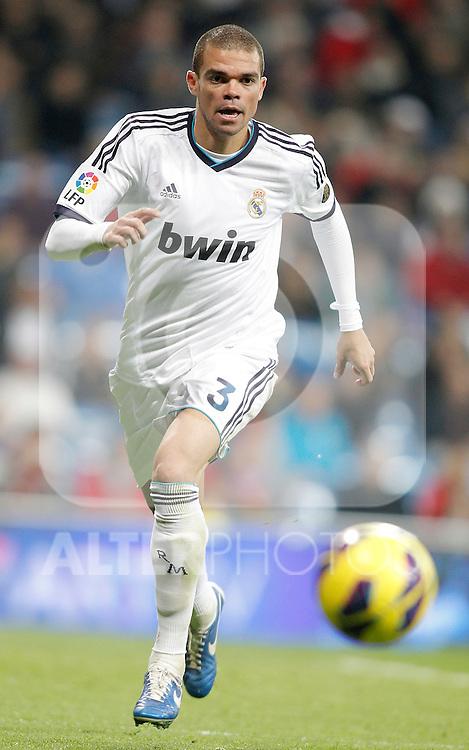 Real Madrid's Pepe during La Liga Match. November 18, 2012. (ALTERPHOTOS/Alvaro Hernandez)