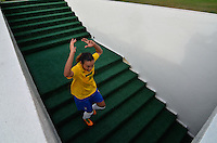 ATENÇÃO EDITOR FOTO EMBARGADA PARA VEÍCULOS INTERNACIONAIS - SAO PAULO, SP, 09 DE DEZEMBRO DE 2012 - TORNEIO INTERNACIONAL CIDADE DE SÃO PAULO - BRASIL x PORTUGAL: Marta durante partida Brasil x Portugal, válido pelo Torneio Internacional Cidade de São Paulo de Futebol Feminino, realizado no estádio do Pacaembú em São PauloFOTO: LEVI BIANCO - BRAZIL PHOTO PRESS