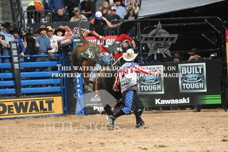 Jose Vitor Leme rides Ravenscroft/Vos/Nicolle Boyd/Toby Floyd's Big Dutch for 90.5 during the fourth round of the Built Ford Tough series PBR World Finals. Photo by Andy Watson