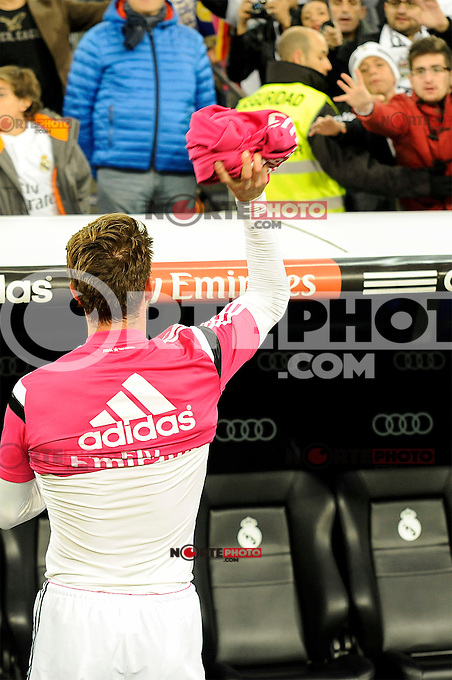 Real Madrid´s Sergio Ramos gives the t-shirt to a supporter during 2014-15 La Liga match between Real Madrid and Levante UD at Santiago Bernabeu stadium in Madrid, Spain. March 15, 2015. (ALTERPHOTOS/Luis Fernandez) /NORTEphoto.com