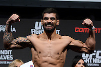 GOIÂNIA, GO, 29.05.2015 – UFC-GOIÂNIA – Elizeu Zaleski  durante pesagem para o UFC Goiânia no Goiânia Arena em Goiânia na tarde desta sexta-feira, 29. (Foto: Ricardo Botelho / Brazil Photo Press)