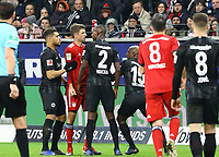Rangelei Thomas Mueller (FC Bayern Muenchen) und Evan N'Dicka (Eintracht Frankfurt) - 22.12.2018: Eintracht Frankfurt vs. FC Bayern München, Commerzbank Arena, DISCLAIMER: DFL regulations prohibit any use of photographs as image sequences and/or quasi-video.