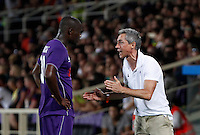 Calcio: amichevole Fiorentina vs Barcellona. Firenze, stadio Artemio Franchi, 2 agosto 2015.<br /> Fiorentina coach Paulo Sousa, right, gives indications to his player Khouma Babacar during the friendly match between Fiorentina and FC Barcelona at Florence's Artemio Franchi stadium, 2 August 2015.<br /> UPDATE IMAGES PRESS/Riccardo De Luca