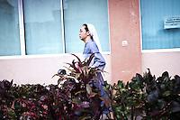 Sister Gertrude is the youngest sister from the benedictine community in the Philippines. During the typhoon, she was in Baguio but decided to come to Tacloban in order to help the hospital where she started as a nurse almost 20 years ago. <br /> <br /> Soeur Gertrude est la plus jeune sœur de la communauté bénédictine aux Philippines. Pendant le typhon, elle était à Baguio, mais a décidé de venir à Tacloban afin d'aider l'hôpital où elle a commencé comme infirmière il ya près de 20 ans.