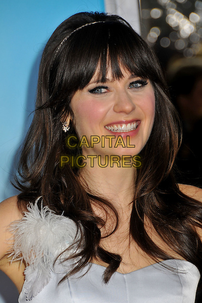 "ZOOEY DESCHANEL.""Yes Man"" Los Angeles Premiere at Mann's Village Theatre, Westwood, California, USA..December 17th, 2008.headshot portrait hairband alice band light blue white silver feather fringe bangs .CAP/ADM/BP.©Byron Purvis/AdMedia/Capital Pictures."