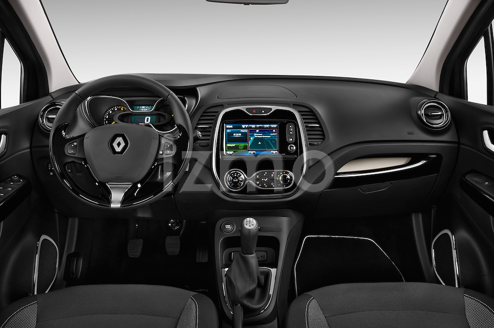 Straight dashboard view of a 2013 Renault Captur Intens SUV