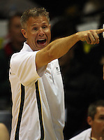 Boomers coach Brett Brown yells instructions during the International basketball match between the NZ Tall Blacks and Australian Boomers at TSB Bank Arena, Wellington, New Zealand on 25 August 2009. Photo: Dave Lintott / lintottphoto.co.nz