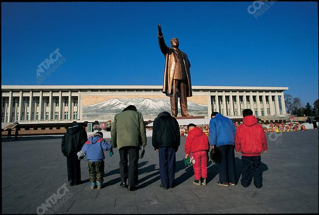 Statue of former president Kim Il Sung, Mansudae, Pyongyang, North Korea, Febuary 1995