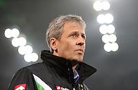 Fussball DFB Pokal:  Saison   2011/2012  Achtelfinale  21.12.2011 Borussia Moenchengladbach - FC Schalke 04 Trainer Lucien Favre (Borussia Moenchengladbach)