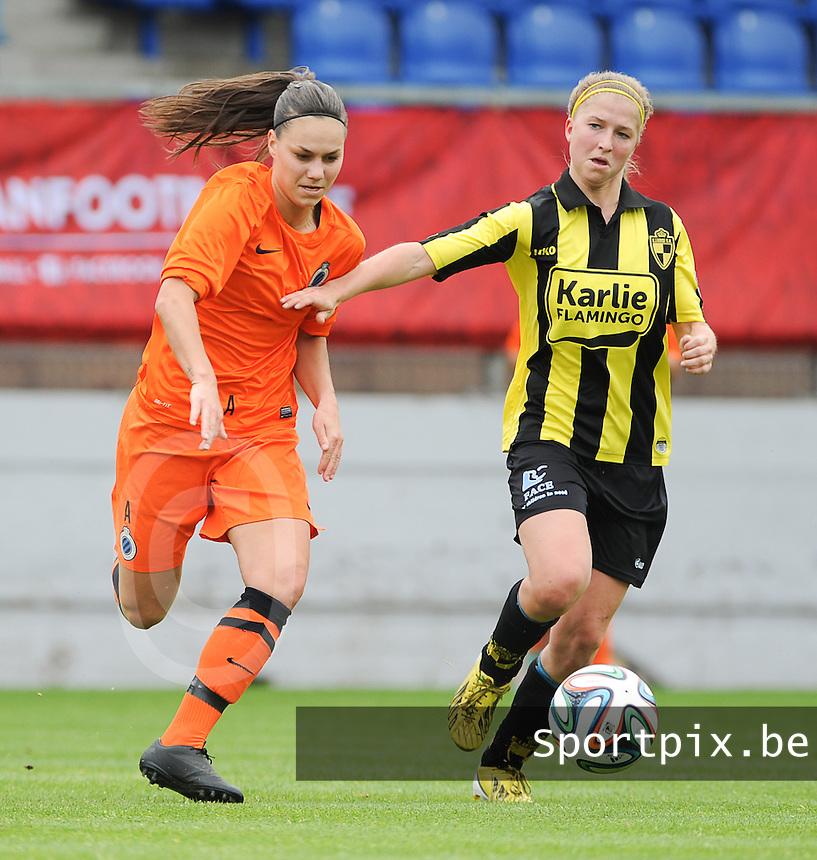Bekerfinale vrouwen 2015 : Lierse-Club Brugge Vrouwen :<br /> <br /> Merel Groenen (R) probeert Jassina Blom (L) af te stoppen<br /> <br /> foto VDB / BART VANDENBROUCKE