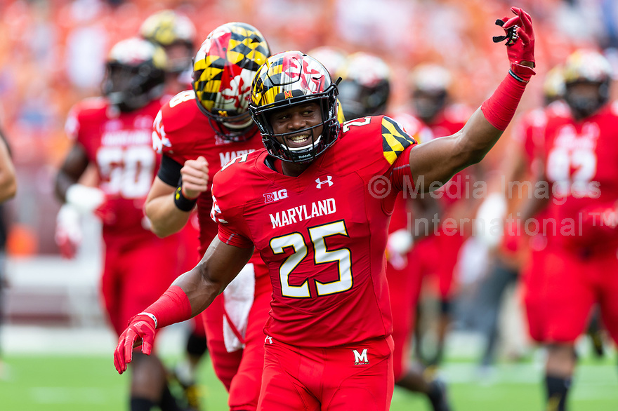 Landover, MD - September 1, 2018: Maryland Terrapins standout defensive back Antoine Brooks Jr. (25) gets the Terps fans riled up before game between Maryland and No. 23 ranked Texas at FedEx Field in Landover, MD. The Terrapins upset the Longhorns in back to back season openers with a 34-29 win. (Photo by Phillip Peters/Media Images International)