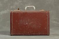 Willard Suitcases / F L / ©2014 Jon Crispin