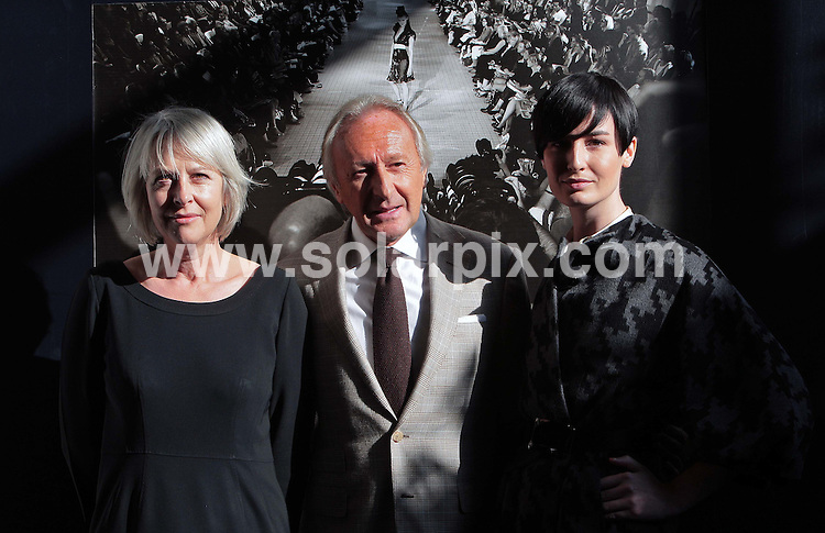 **ALL ROUND PICTURES FROM SOLARPIX.COM**.**NO UK NEWSPAPER PUBLICATION **UK MAGAZINE & SUPPLEMENT PUBLICATION ONLY** AND NO PUBLICATION IN FRANCE, SCANDINAVIA, AUSTRALIA AND GERMANY** .Top Model Erin O'connor launches London Fashion Week this morning alongside Harold Tillman (London Fashion Week Chairman) and Hilary Riva (CEO of London Fashion Week) in the UK...JOB REF:7327- SFE       DATE:14_09_08 .**MUST CREDIT SOLARPIX.COM OR DOUBLE FEE WILL BE CHARGED* *UNDER NO CIRCUMSTANCES IS THIS IMAGE TO BE REPRODUCED FOR ANY ONLINE EDITION WITHOUT PRIOR PERMISSION*