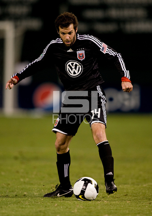 Ben Olsen. The Seattle Sounders defeated DC United, 2-1, to win the 2009 Lamr Hunt U.S. Open Cup at RFK Stadium in Washington, DC.